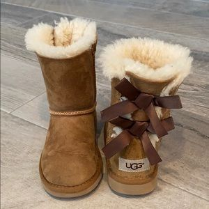 Girls UGGS bow boots